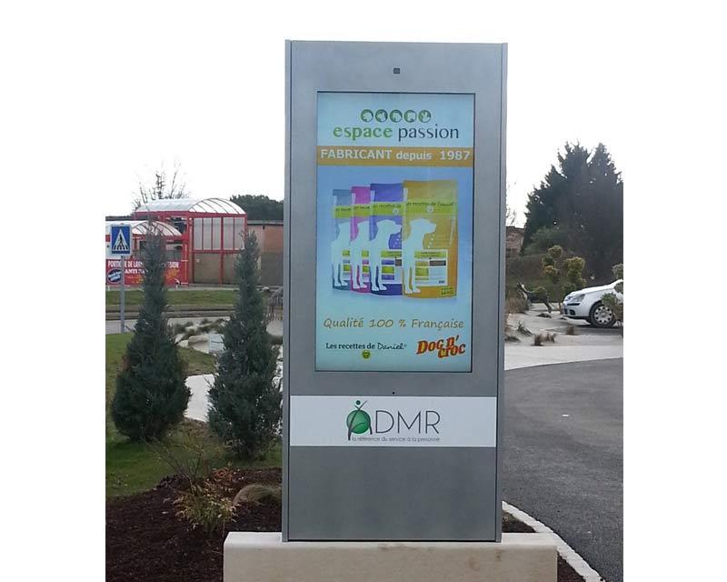 borne outdoor - signalétique et publicité